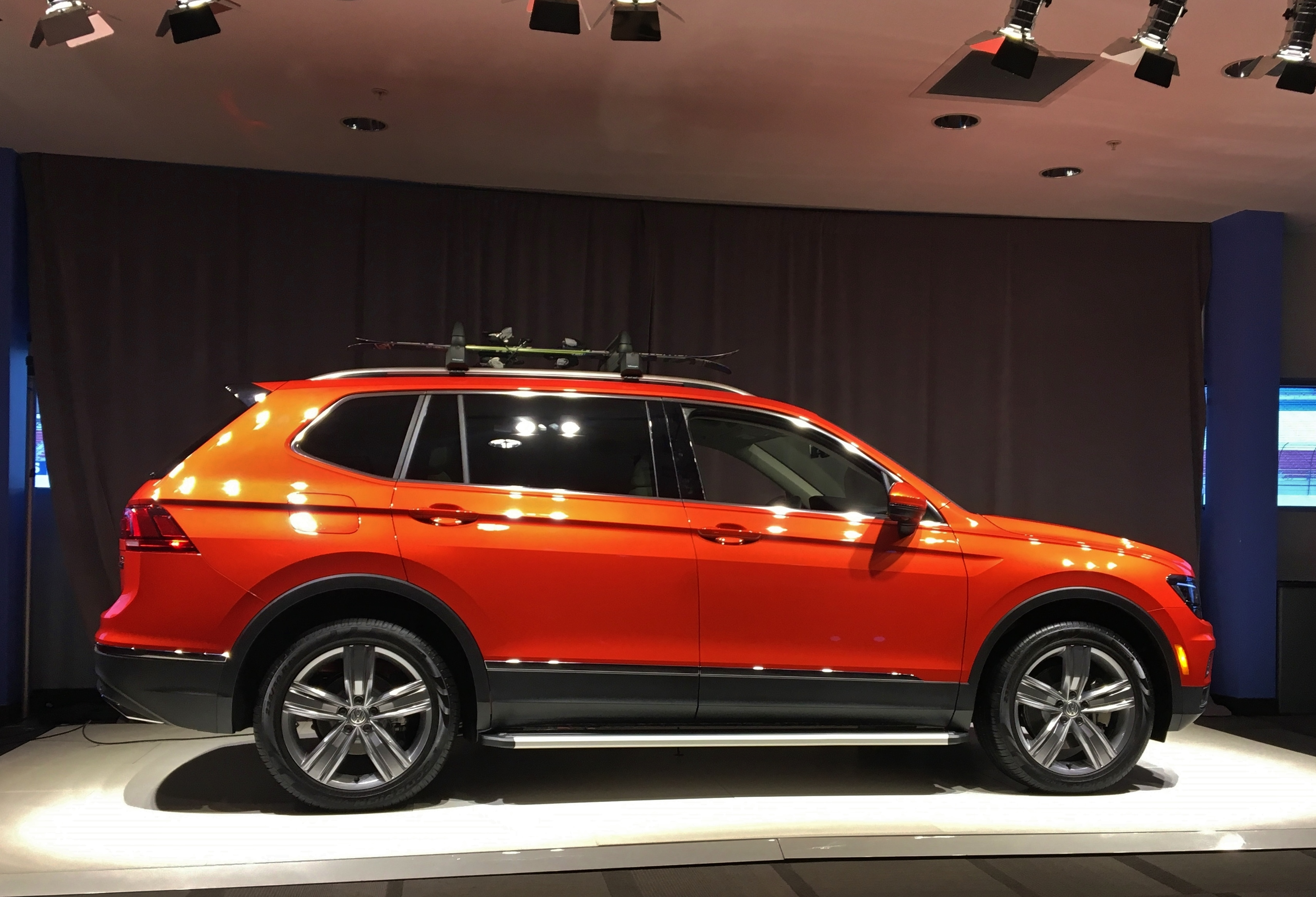 2018 Tiguan SEL Habanero Orange