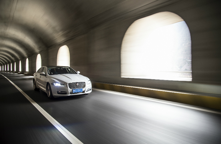 Jaguar Showcases the 2016 XJ on the Yaxi Skyroad in China - Tunnel