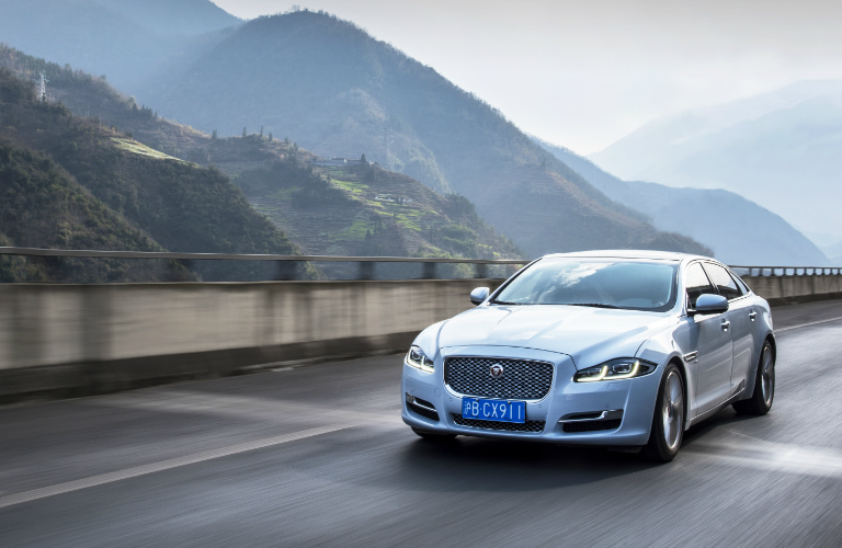 Luxurious 2016 Jaguar XJ in Sichuan China
