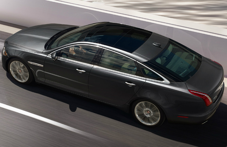 2017 Jaguar XJ Performance and Engine Specs