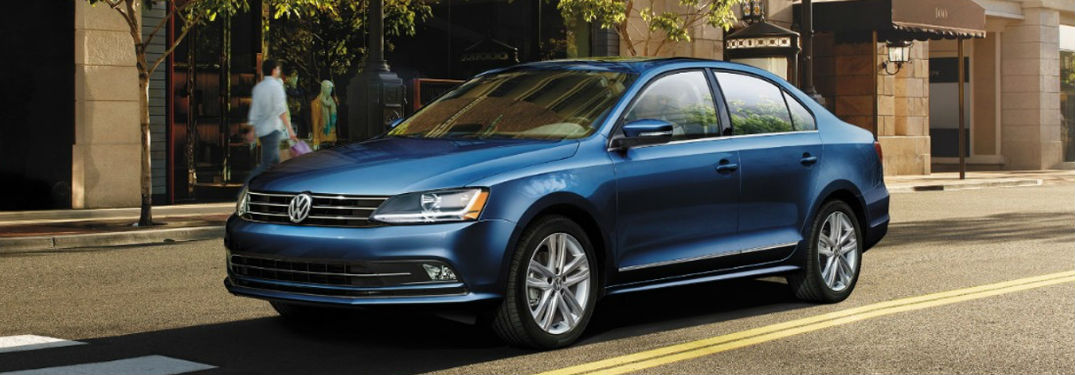 What are the trim options for the 2017 Volkswagen Jetta?