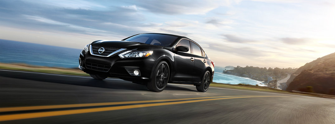 How far can the 2017 Nissan Altima go on a tank of gas?