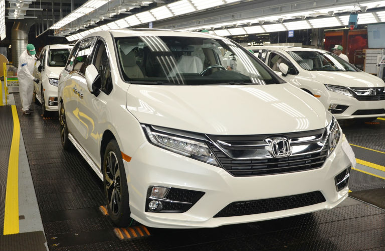 Honda Odyssey on production line
