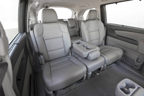 2017 Honda Odyssey 2nd row multi function center seat
