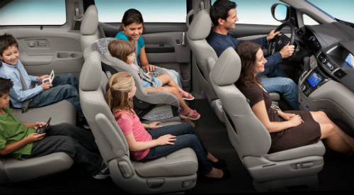 2017 Honda Odyssey with a family