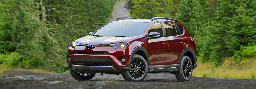 What features does the 2018 Toyota RAV4 Adventure offer?