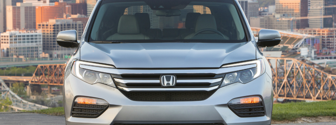 Does the 2017 Honda Pilot offer Apple CarPlay and Android ...