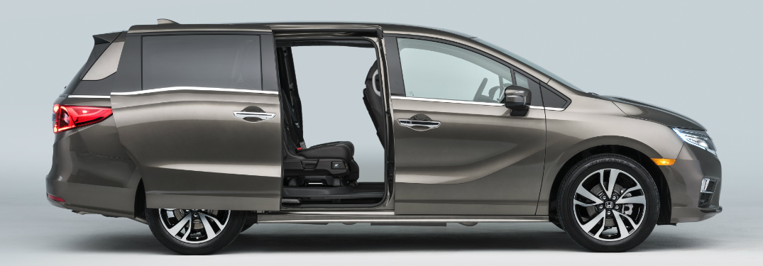What features will 2018 Honda Odyssey Magic Slide Seat offer?