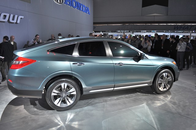 2013 honda crosstour unveiled at 2012 new york auto show for Honda oil change coupon ny