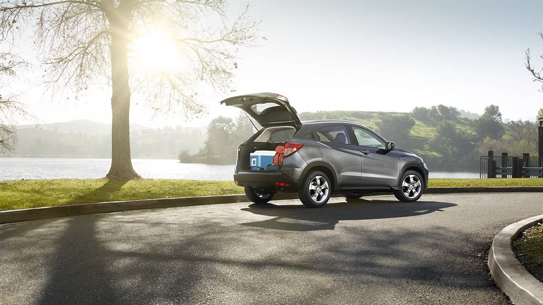 What are the differences between the honda cr v and hr v for Honda hrv cargo space