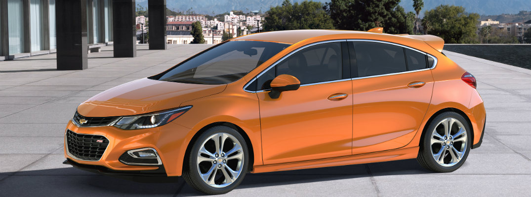 how much will the 2017 chevy cruze hatchback cost
