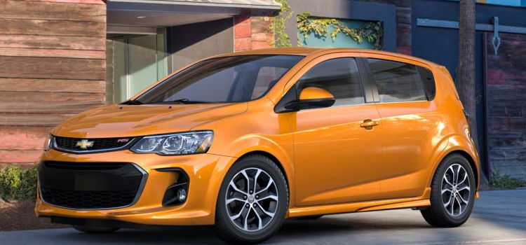 What color options are available for the 2017 Chevy Sonic?