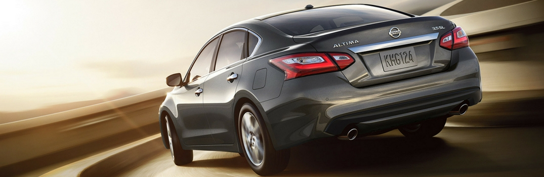 What are the Best Features on the 2017 Nissan Altima 3.5 SL Trim?