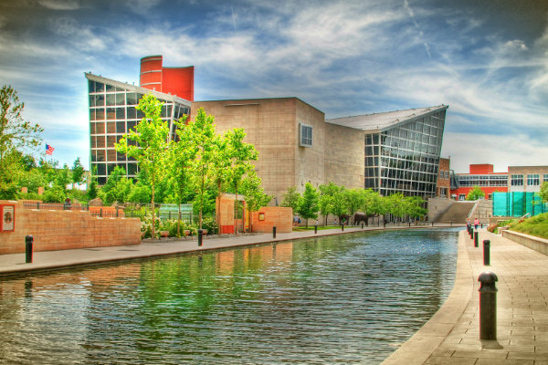 Exterior shot of Indianapolis State Museum