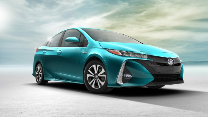 2017 toyota prius prime features. Black Bedroom Furniture Sets. Home Design Ideas