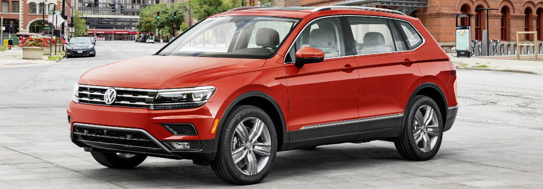 2018 VW Tiguan red side view