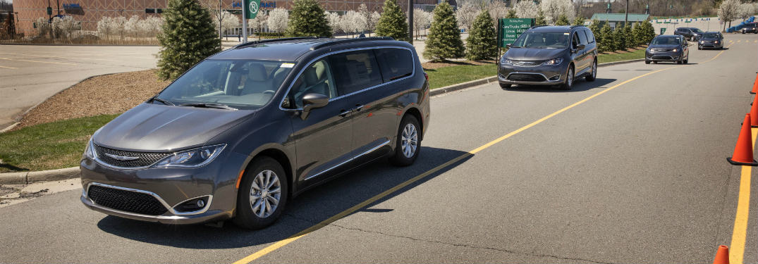 when will the 2017 chrysler pacifica hybrid be available. Black Bedroom Furniture Sets. Home Design Ideas