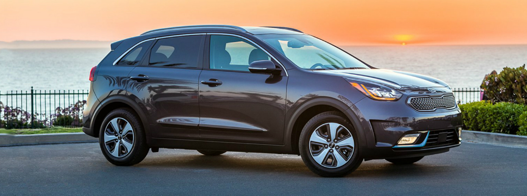 features of the 2018 kia niro plug in hybrid. Black Bedroom Furniture Sets. Home Design Ideas