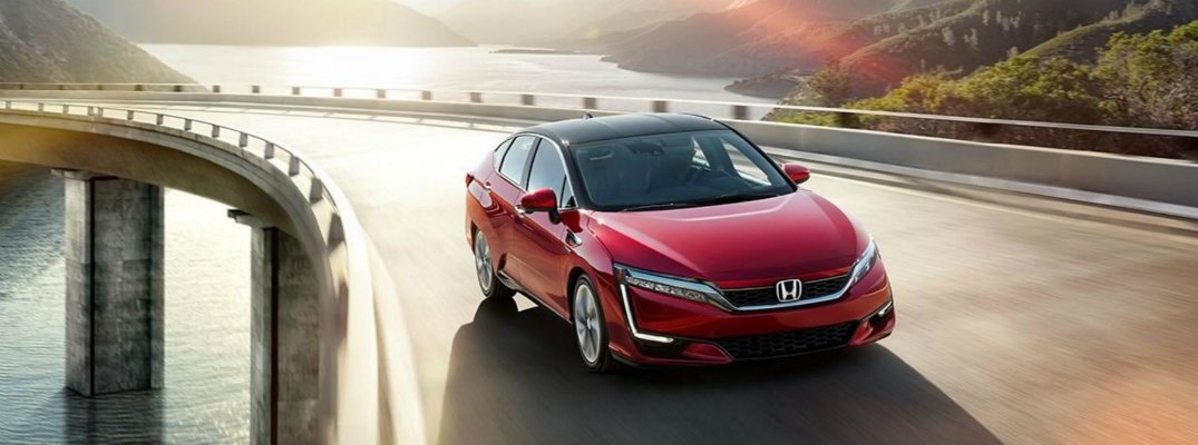 Benefits of the 2017 Honda Clarity Fuel Cell Exterior