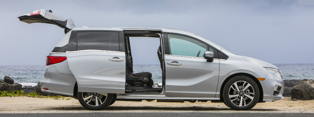 How do you use the Power Tailgate in the 2018 Honda Odyssey?