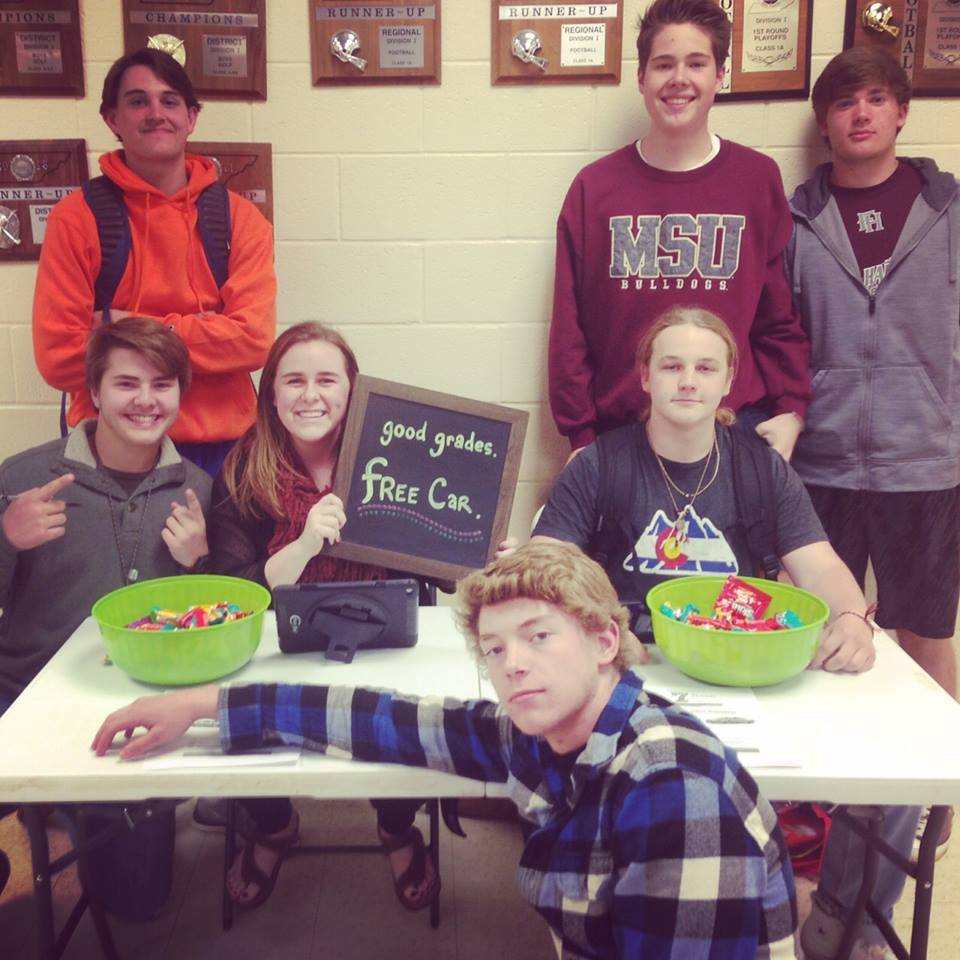 Nissan Dealership goes to Wartrace HS