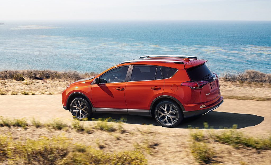 2016 Toyota RAV4 is the best of both worlds