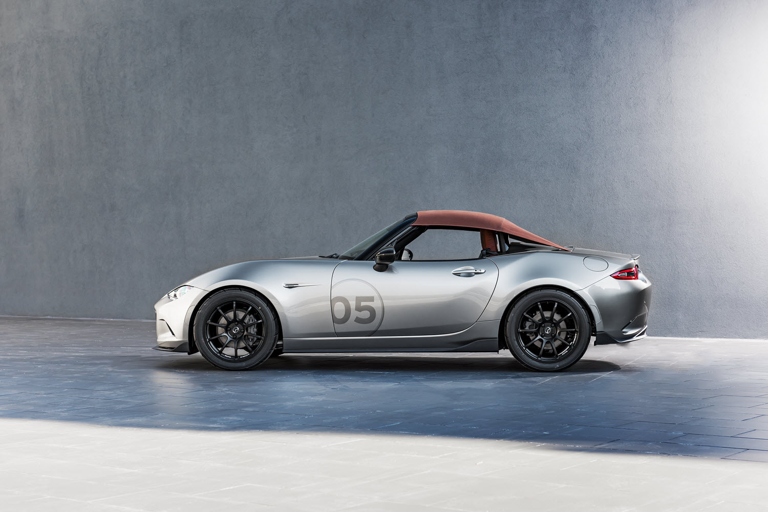 Turn Up the Heat with the 2016 Mazda MX-5 Miata Spyder Concept ...