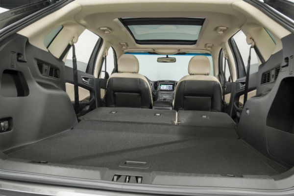 Interior Features For The  Ford Edge