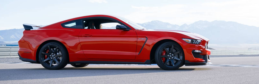 Red 2017 Ford Shelby Mustang GT350 Exterior