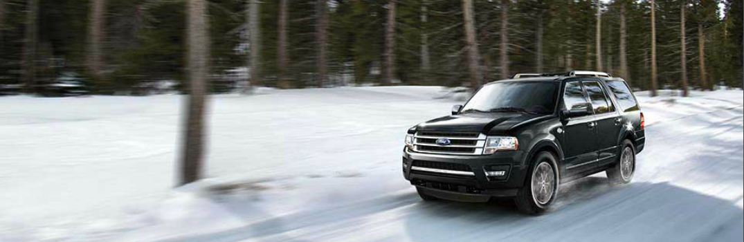 2017 Ford Expedition Driving in the Snow