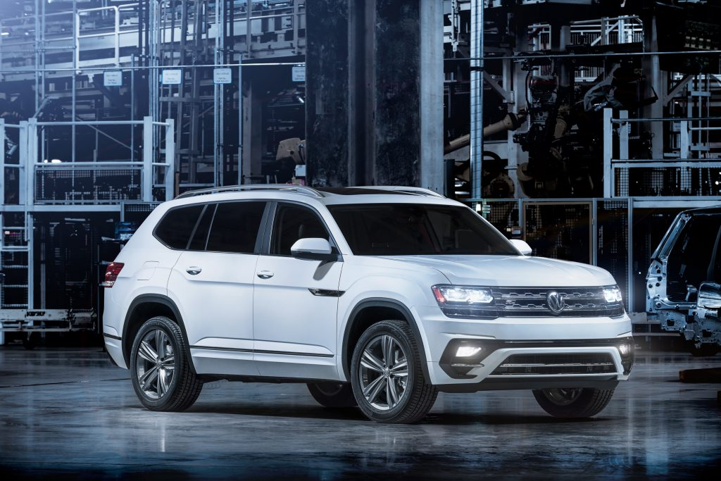What Comes with the Volkswagen R-Line Treatment for the 2018 Atlas?