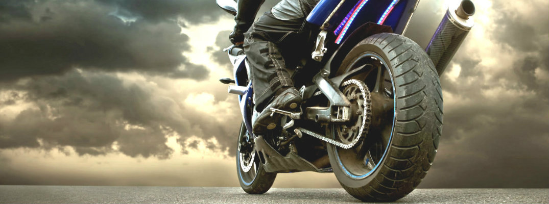 Vehicle/Motorcycle Safety Tips for Cleveland, OH Drivers