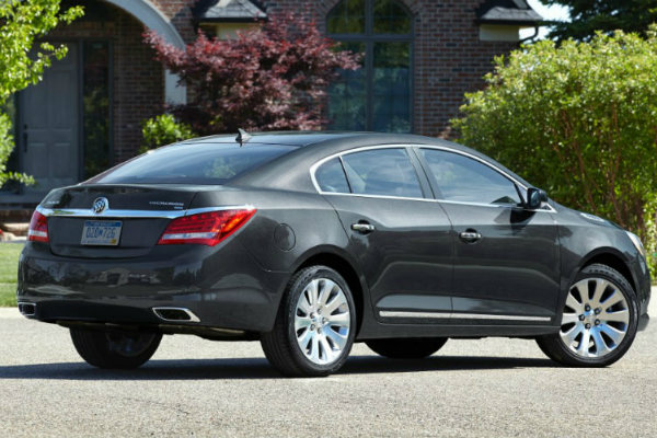 2016 Buick LaCrosse on the Road