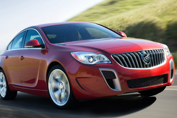 Red 2016 Buick Regal