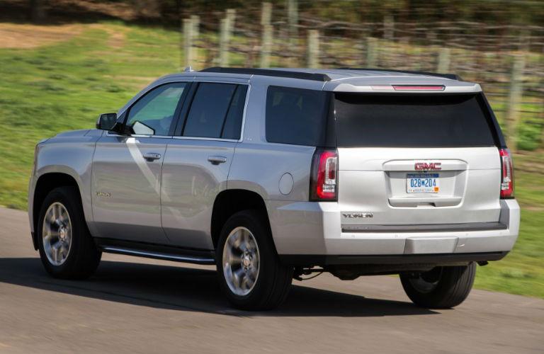 2016 GMC Yukon in silver