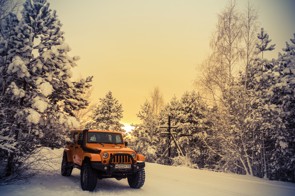Jeep Wrangler in snow