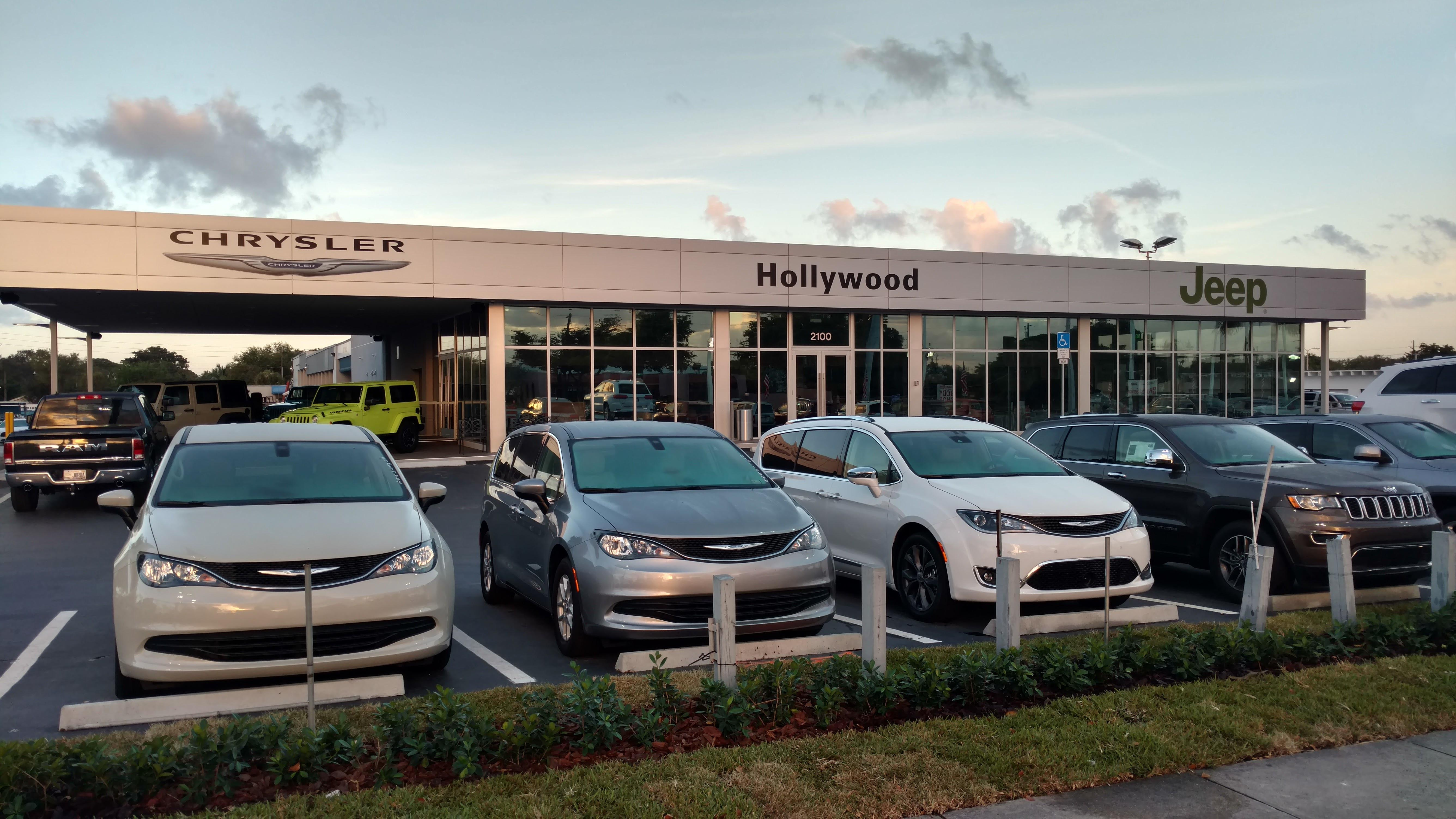 New Hollywood Chrysler Jeep showroom is open