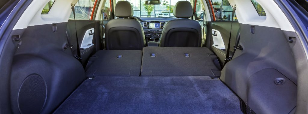 how much cargo space is in the 2017 kia niro. Black Bedroom Furniture Sets. Home Design Ideas