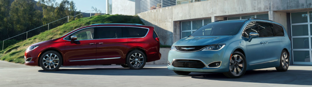 2017 Chrysler Town And Country >> 2017 Chrysler Pacifica Vs 2016 Chrysler Town And Country