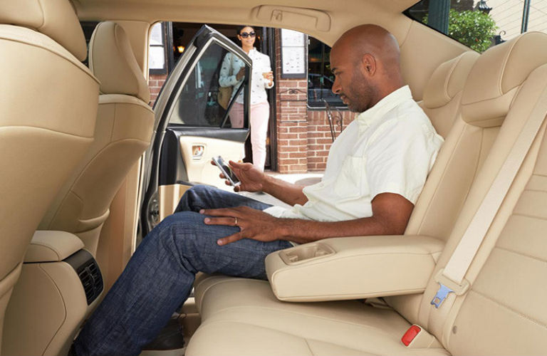 how much trunk space does the toyota camry have. Black Bedroom Furniture Sets. Home Design Ideas