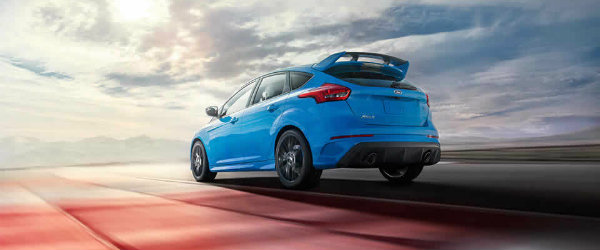 what makes ford focus rs 2017 car of the year. Black Bedroom Furniture Sets. Home Design Ideas