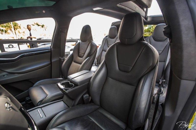 2016-Tesla-Model-X-P90D-Founders-Edition-Interior-Cabin-Seating_o