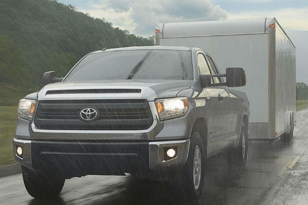 how much can you tow in the 2016 toyota tundra. Black Bedroom Furniture Sets. Home Design Ideas