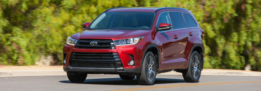 Does the 2017 Toyota Highlander have AWD?