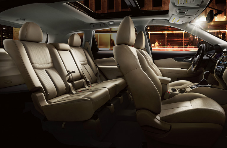 What is the maximum cargo capacity of the 2017 Nissan Rogue?