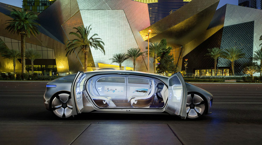 How Does The F 015 Luxury In Motion Concept Car Work
