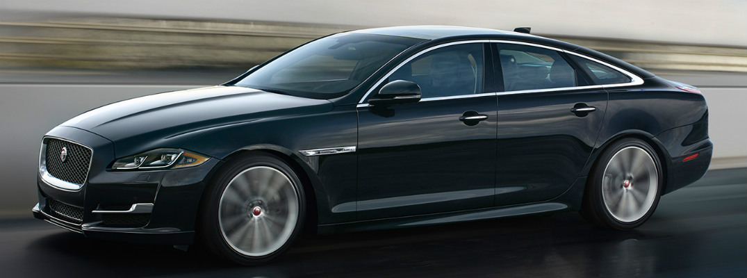 How does the Jaguar Passive Keyless Entry system work?
