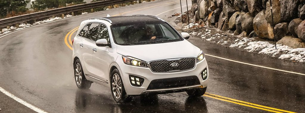 does the 2017 kia sorento have a third row. Black Bedroom Furniture Sets. Home Design Ideas