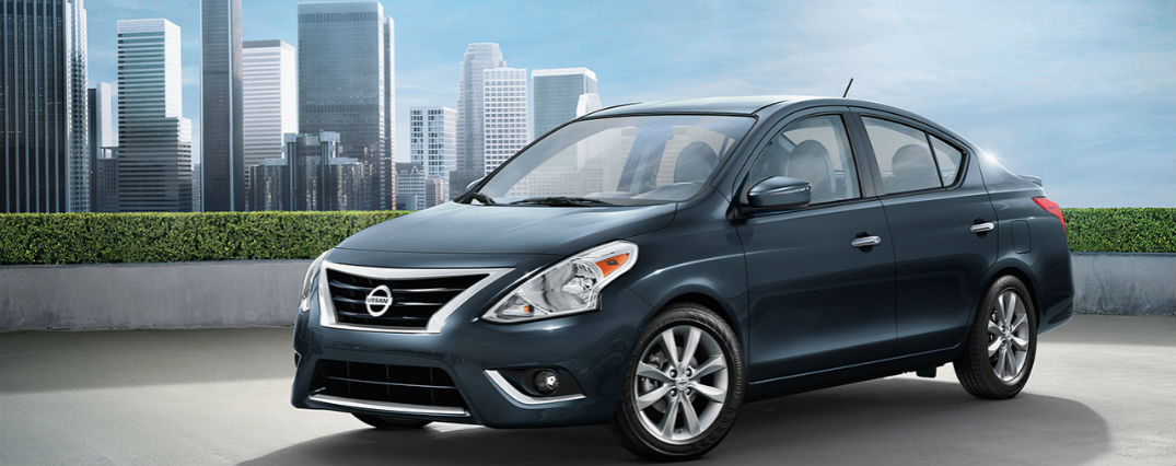 2017 Nissan Versa Sedan Features and optoins