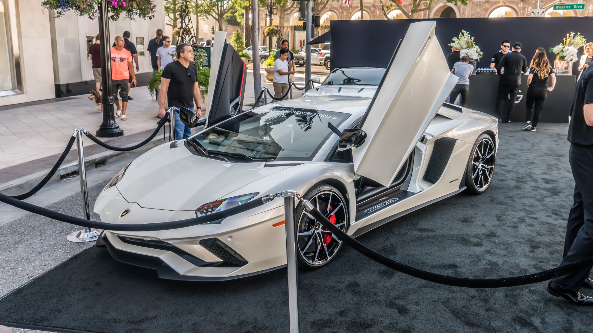 RODEO DRIVE CONCOURS A OGARA BEVERLY HILLS EXPERIENCE WORLD OF - Beverly hills car show